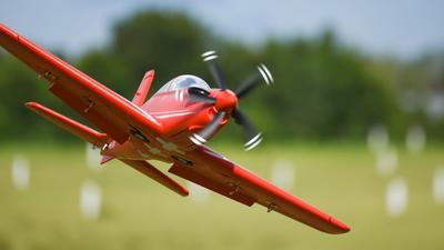 FMS Pilatus PC-21 PNP - 110 cm - Combo inkl. Reflex Gyro System