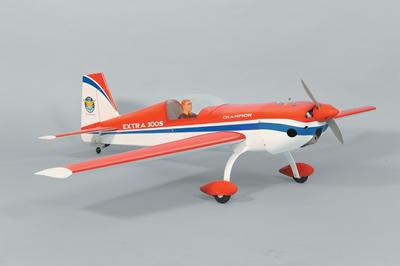 Extra 300S - 145 cm